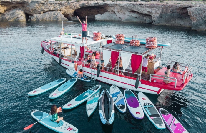 3 hours all inclusive boat trip